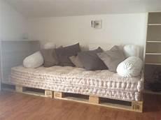 cuscino materasso divano con bancali materassi di e cuscini ikea nel