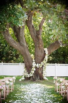arbre décoratif extérieur 29450 mariage inspiration pour une d 233 coration de jardin originale save the deco
