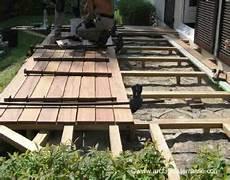 pose terrasse bois comment faire une terrasse bois classique au sol photos