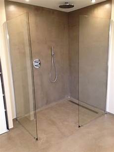 Revetement Pour Italienne An Italian Shower In Polished Concrete In A