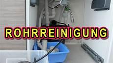 Abfluss Verstopft Rohr Sp 220 Len Mit Rohrreinigungsschlauch