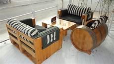 paletten möbel bauen sofa de pallet auto luxo 9 modelos decorarmoveiscaseiros tutorial passoapassonadescricao