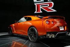 Nissan Gt R 2017 - 2017 nissan gt r look review motor trend