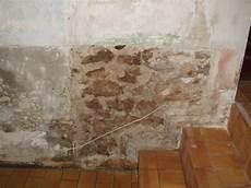 traitement humidité mur interieur traitement humidit 233 mur int 233 rieur artisan peintre