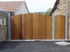 portail en bois fourniture et pose de portail en bois installation de