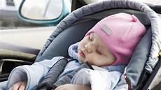 Ist Ein Kindersitz Vorne Im Auto Zul 228 Ssig Reifen De