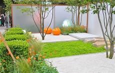 amenager petit jardin 42166 des astuces pour am 233 nager un petit jardin en ville