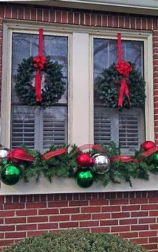 decoration wreaths with bows for enchanting