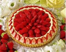 torta margherita con crema pasticcera e fragole come fare crostata con fragole e crema pasticcera spettegolando