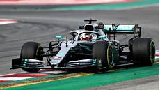 f1 lewis hamilton expects challenge yet from