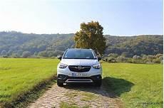 Opel Crossland Fahrbericht - opel crossland x trip mit und kegel newcarz de