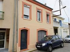 peinture pour facade une nouvelle peinture pour la fa 231 ade d une maison situ 233 e 224