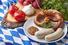Typisch Deutsche Gerichte - american or german food soccer foodoozle