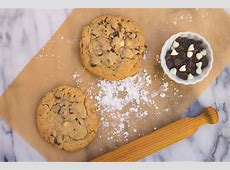 colossal chocolate chip cookies_image