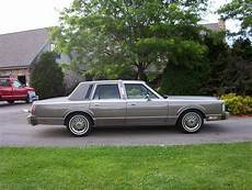 books on how cars work 1988 lincoln town car auto manual huffnpuff465 1988 lincoln town car specs photos modification info at cardomain