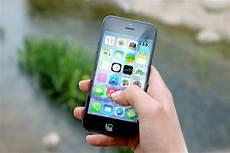une faille dans les iphone permet d 233 couter ses contacts 224