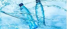acqua in bottiglia o rubinetto acqua in bottiglia o acqua di rubinetto tapp water