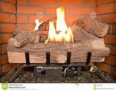 faux feu de cheminée feu de bois faux images libres de droits image 19634269