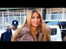 tamar braxton takes off wedding ring puts on her boxing