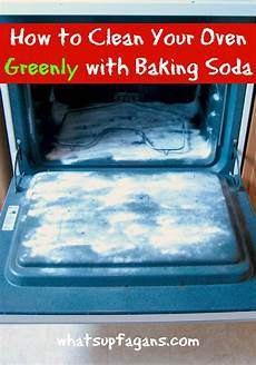 how to clean your oven with baking soda a solution