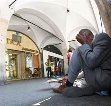 extracomunitari senza permesso di soggiorno italia smile mission onlus