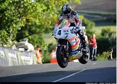 course de moto le tt trophy la l 233 gendaire course de l 206 le de moto