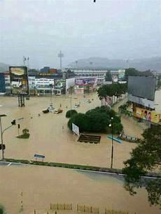 Malaysians Must The Kuantan Banjir Gambar