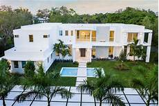 modern villa brings elegance to new modern villa near miami modern villas