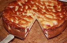 apfelkuchen mit hefeteig apfelkuchen aus hefeteig mit gittern rezept mit bild