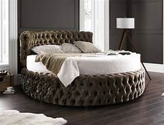 chesterfield 7ft bed with headboard 210cm