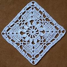 centrini quadrati alluncinetto 12pcs cotone bianco handmade quadrati all uncinetto centrini coaster del 1412629 2017 a 2 99