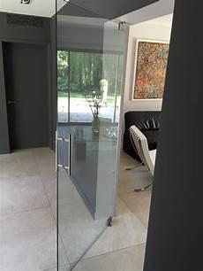 portes en verre battantes atelier du verre cr 233 ations
