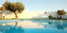 prix moyen piscine quel est le prix d une piscine enterr 233 e les budgets moyens