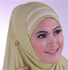 Cara Memakai Jilbab Untuk Wajah Persegi Model Jilbab