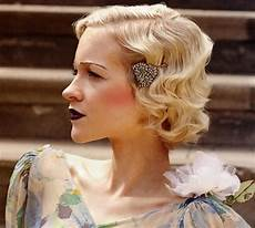1920s finger waves and curls hairstyle tutorial finger wave hair short wedding hair how