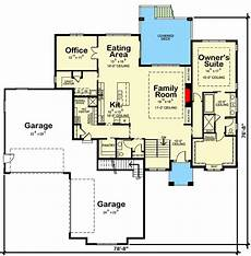 traditional ranch plan with pet center in mudroom