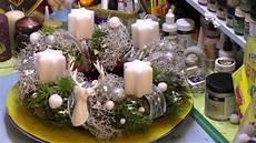 Adventskranz Aus Stacheldraht Pflanze Und Moos
