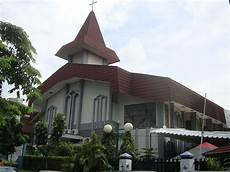 Dari Gereja Ke Gereja