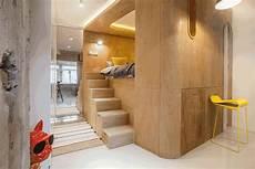 platz sparen wohnung kleine wohnung mit hochbett f 252 r erwachsene innerhalb einer holz box