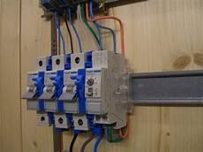 fi schalter nachträglich einbauen treppenhausautomat anschliessen und verdrahten