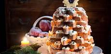 pandoro con crema al mascarpone fatto in casa da benedetta pandoro farcito con crema al mascarpone a forma di albero di natale leitv