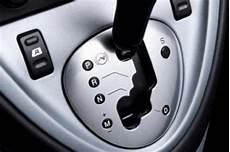 gangschaltung auto wann schalten was bedeutet bei einer automatik schaltung quot n quot und quot m