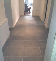 Fliesen Flur Ideen - grey limestone floor tiles for hallway flooring atlanta