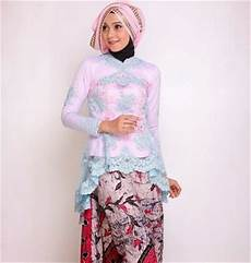 21 Trend Model Baju Kebaya Wisuda Muslim Hijabers Terbaru