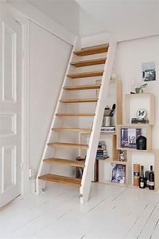 escalier pour petit espace un faux studio my farmhouse escalier mezzanine