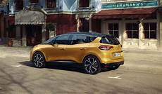 New 2016 Renault Scenic Family Crossover With 20 Inch Wheels