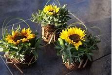 tischdeko mit sonnenblumen pin by rikke vindbjerg on dekorationer flower