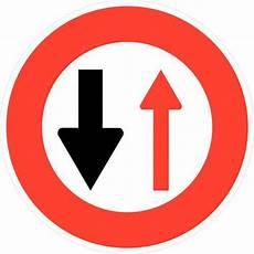 Panneau De Signalisation D Interdiction B15 C 233 Der Le