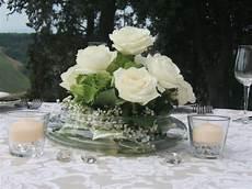 centro fiori matrimonio centrotavola con bianche in vaso di vetro