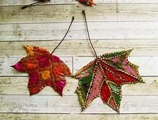 Basteln Mit Herbstblättern - basteln mit bl 228 ttern bl 228 tter bemalen dekorieren herbst